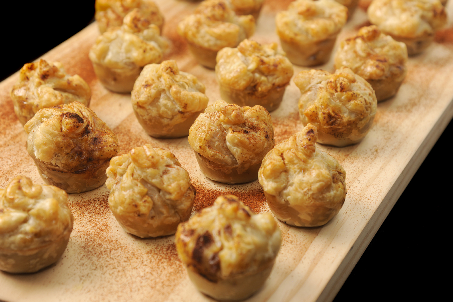 Beef and mushroom pies creative catering perth for Canape delivery